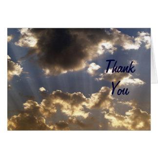 Los cielos nublados inspirados le agradecen las tarjeta de felicitación