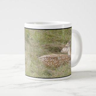 Los ciervos adulan la taza enorme taza jumbo