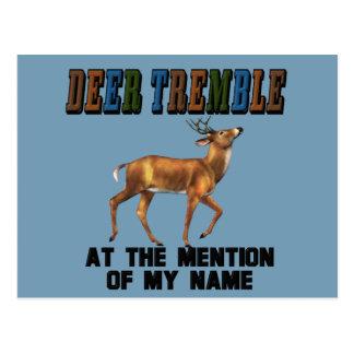 Los ciervos divertidos tiemblan tarjetas postales
