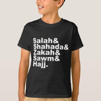 Los cinco pilares de la fe musulmán del rezo del playeras