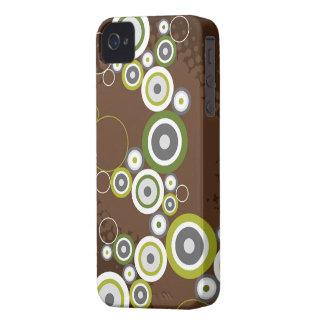 Los círculos retros del arte abstracto suenan la Case-Mate iPhone 4 protectores
