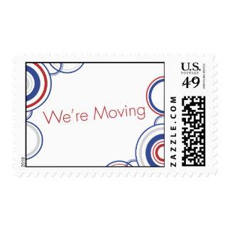 Los círculos rojos y azules nos estamos moviendo - sellos postales