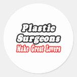 Los cirujanos plásticos hacen a grandes amantes pegatina redonda