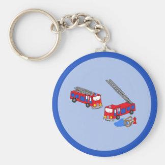 Los coches de bomberos rojos del bombero llavero redondo tipo pin