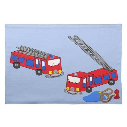 Los coches de bomberos rojos del bombero mantel individual