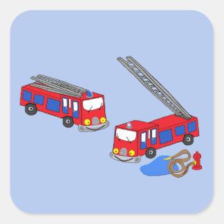 Los coches de bomberos rojos del bombero pegatina cuadrada