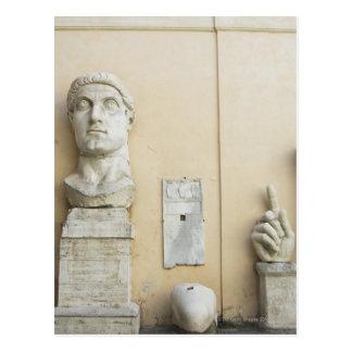 Los componentes de una estatua gigante del tarjetas postales