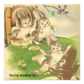 Los conejitos salen jugar la invitación del fiesta invitación 13,3 cm x 13,3cm