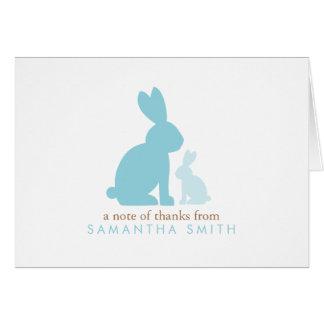 Los conejos de la mamá y del bebé le agradecen las tarjeton