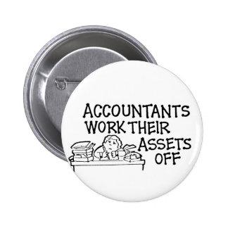 Los contables trabajan sus activos apagado pin redondo de 2 pulgadas