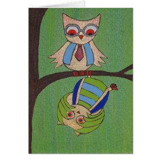 Los contrarios atraen búhos tarjeta de felicitación