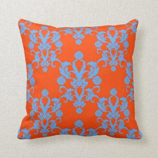 Los contrarios atraen el damasco anaranjado y azul