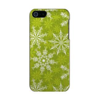 Los copos de nieve modelan en verde funda para iPhone 5 incipio feather shine