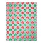 Los copos de nieve verdes rojos en círculos en la  tarjetas publicitarias