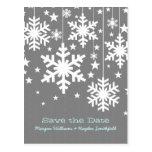 Los copos de nieve y las estrellas grises ahorran  tarjeta postal