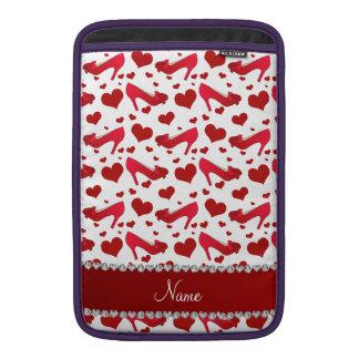 Los corazones blancos rojos conocidos funda  MacBook