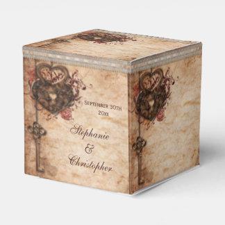 Los corazones cerradura del vintage y el boda de cajas para regalos de boda