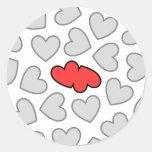Los corazones chocan etiquetas redondas