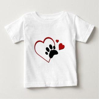 Los corazones de la pista de la pata del gato I Playera