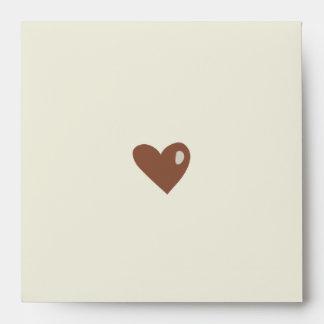 Los corazones del dibujo animado ahorran el sobre