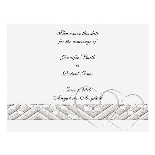 Los corazones entrelazados ahorran la fecha tarjeta postal