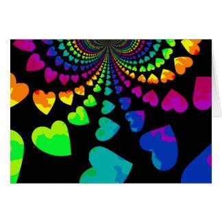 Los corazones retros del arco iris esconden toda tarjeta pequeña
