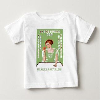 ¡Los corazones son triunfo! T-shirt