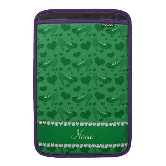 Los corazones verdes conocidos personalizados funda  MacBook