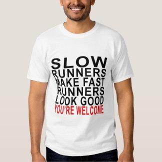 Los corredores lentos hacen los corredores mirada playera