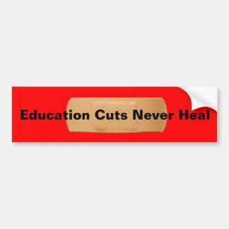 Los cortes de la educación nunca curan pegatina para auto