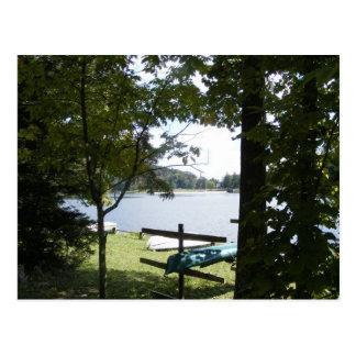 los cowans abren la canoa del árbol del lago de Pe Tarjeta Postal