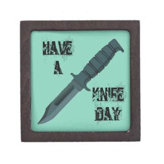 Los cuchillos tienen un día del cuchillo caja de recuerdo de calidad