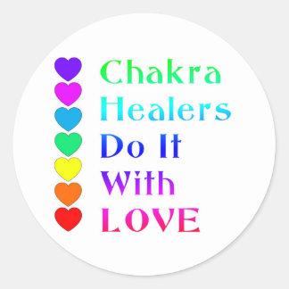 Los curadores de Chakra lo hacen con amor en Pegatina Redonda