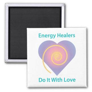 Los curadores de la energía lo hacen con el imán d