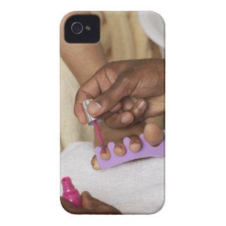Los dedos del pie de la mujer de la pintura del Case-Mate iPhone 4 protector