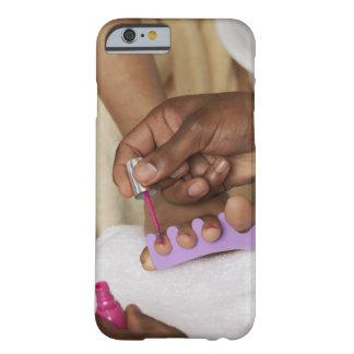 Los dedos del pie de la mujer de la pintura del funda de iPhone 6 barely there