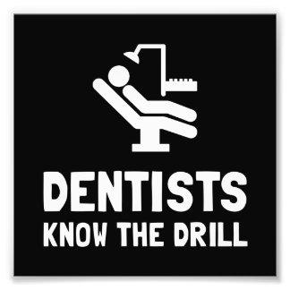 Los dentistas saben el taladro fotografía