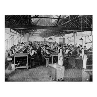 Los departamentos de la fabricación del cigarro tarjeta postal