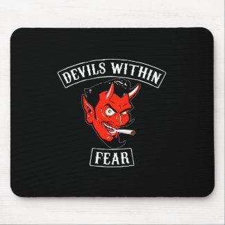 Los diablos dentro del cojín de ratón mouse pads