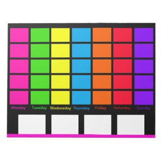 Los días de calendario del codificado por color de libreta para notas