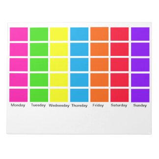 Los días de calendario del codificado por color de libretas para notas