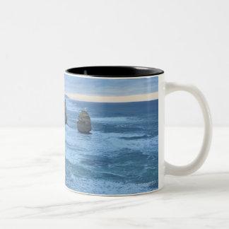 Los doce apóstoles, gran camino del océano taza de café de dos colores