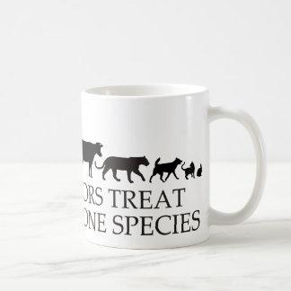 Los doctores reales (veterinarios) tratan más de taza de café