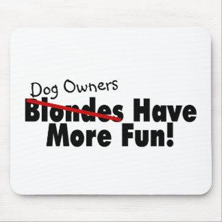 Los dueños del perro se divierten más mousepads