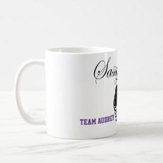 Los dulces descarados de Audrey cuecen la taza de
