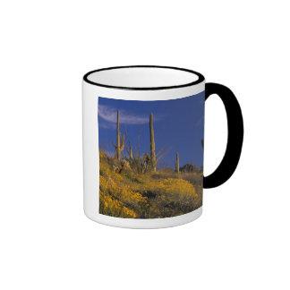 Los E E U U Arizona nacional 2 del cactus del t Taza De Café
