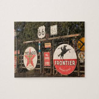 Los E.E.U.U., Arizona, Sedona: Muestras de publici Rompecabeza Con Fotos