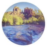 Los E.E.U.U., Arizona, Sedona. Roca de la catedral Platos