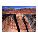 Los E.E.U.U., Arizona, vista del puente de Navajo Postal