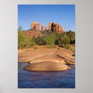 Los E.E.U.U., AZ, rocas de la catedral en la trave Posters